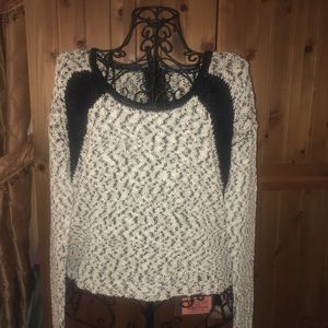 GUESS black and grey sweater